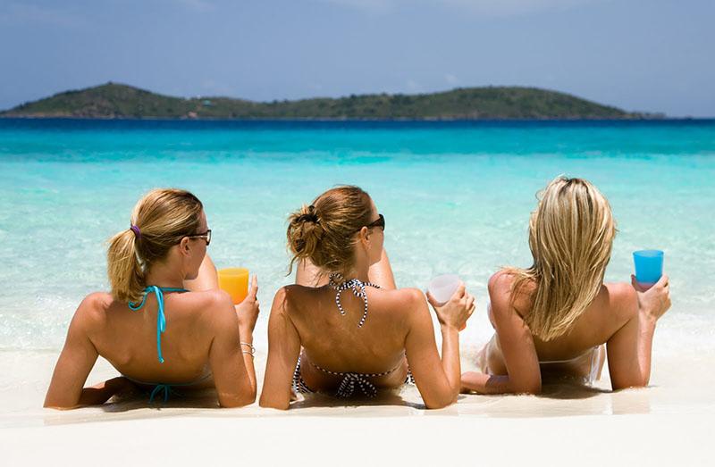 beach-girl-tanning